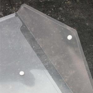 Envelope transparente com pala com botão branco