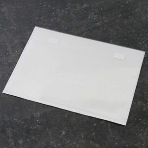 Envelope de base autocolante
