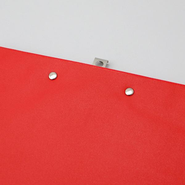 Prancheta para A4 revestida a PVC. Cor: Vermelho.