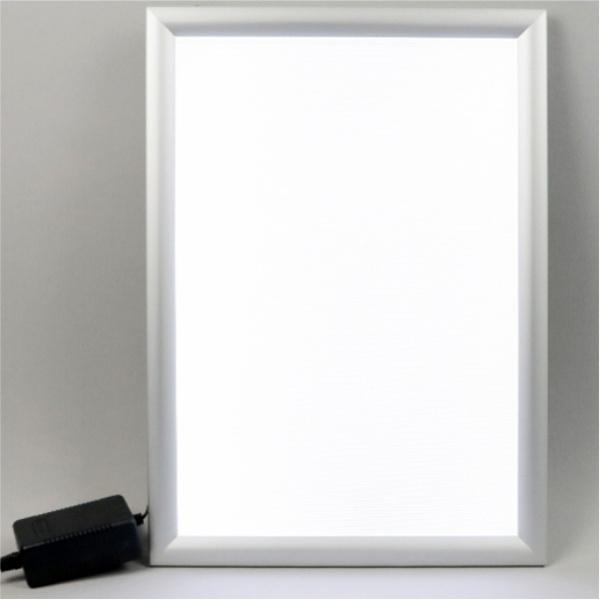 Moldura com luz LED